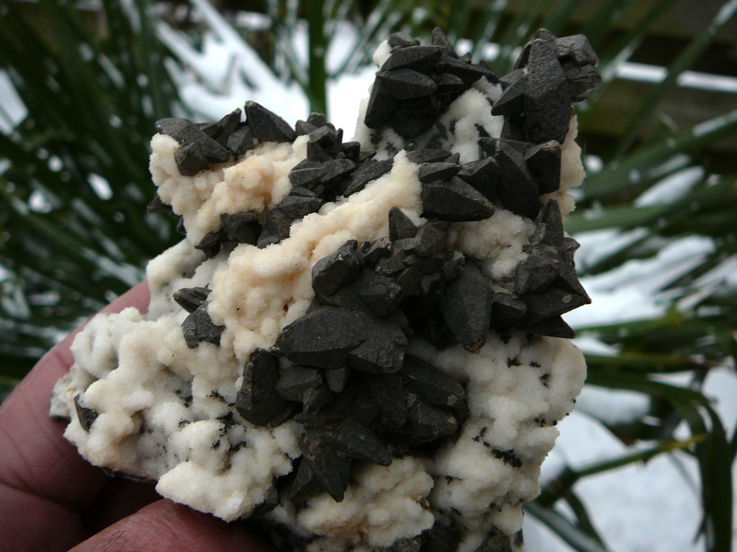 Almost black calcite