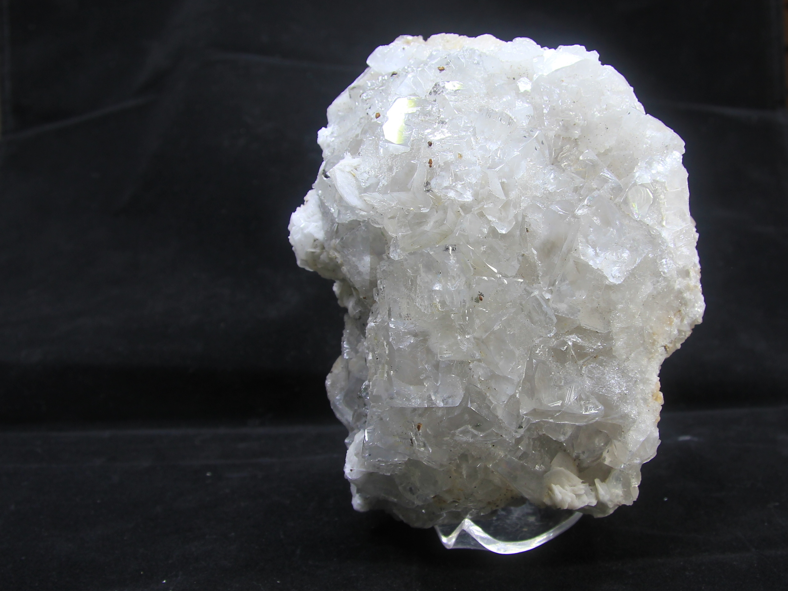 Colourless, partly transparent fluorite