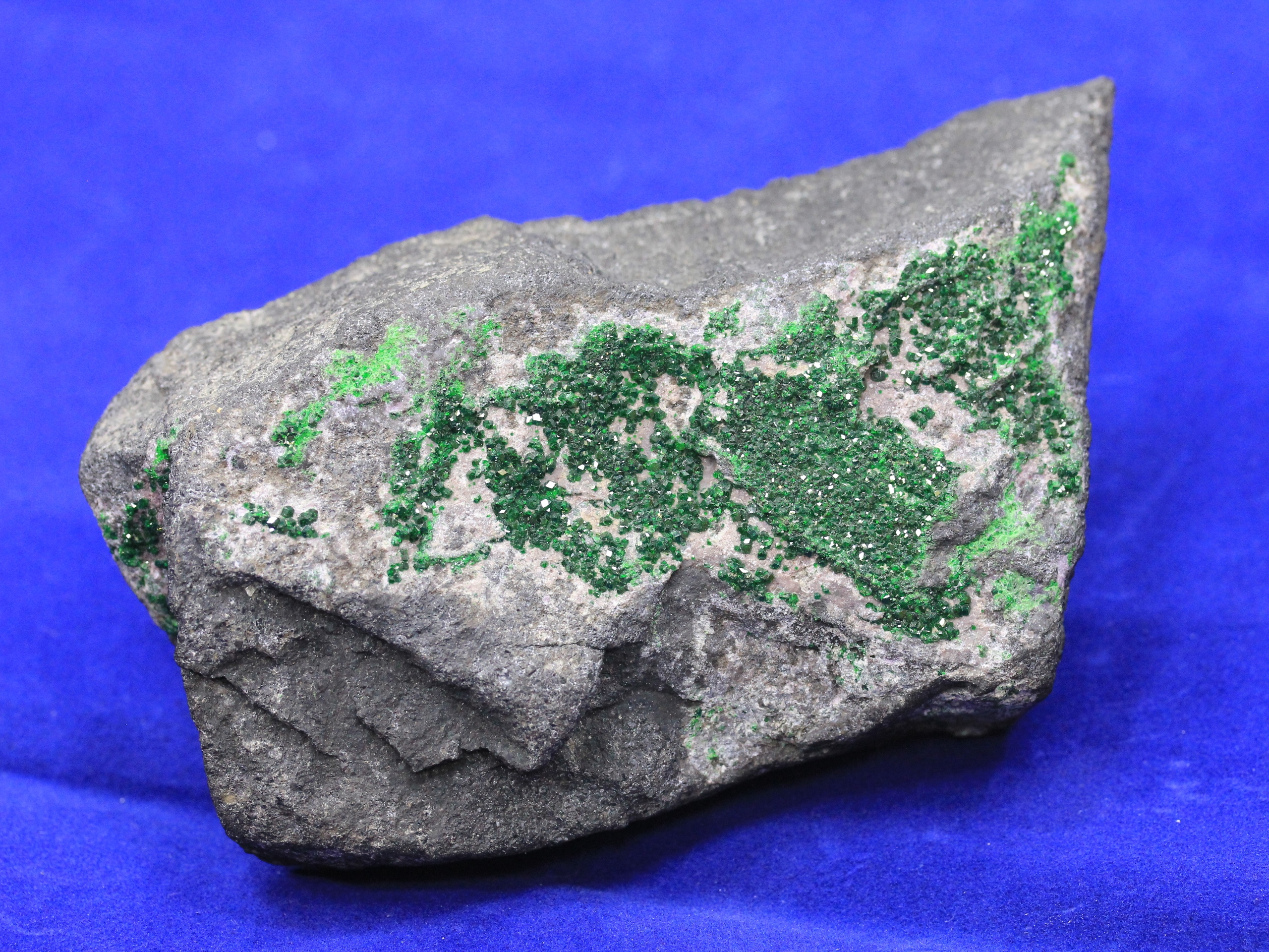Emerald green uvarovite