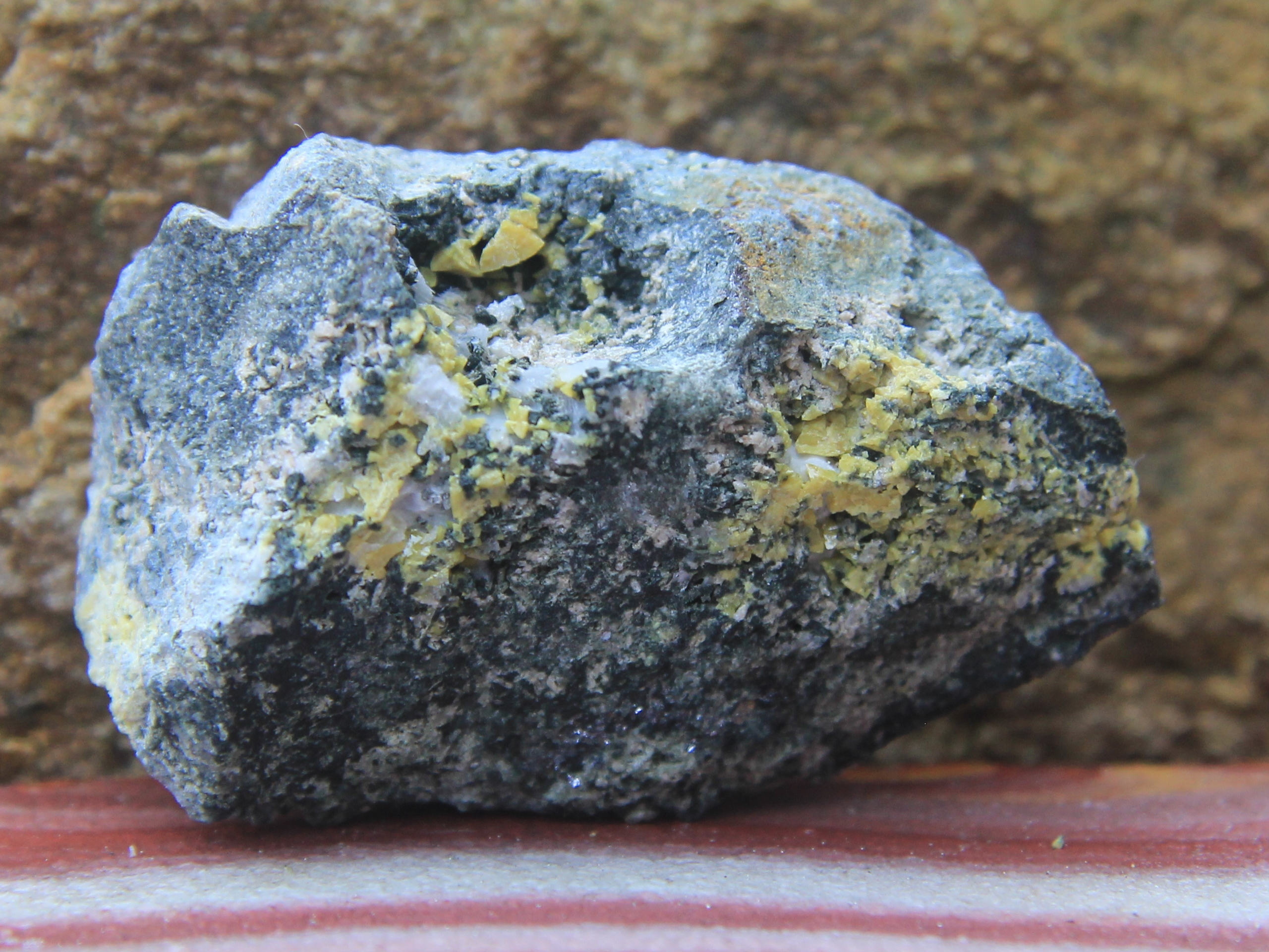 Helvine crystals