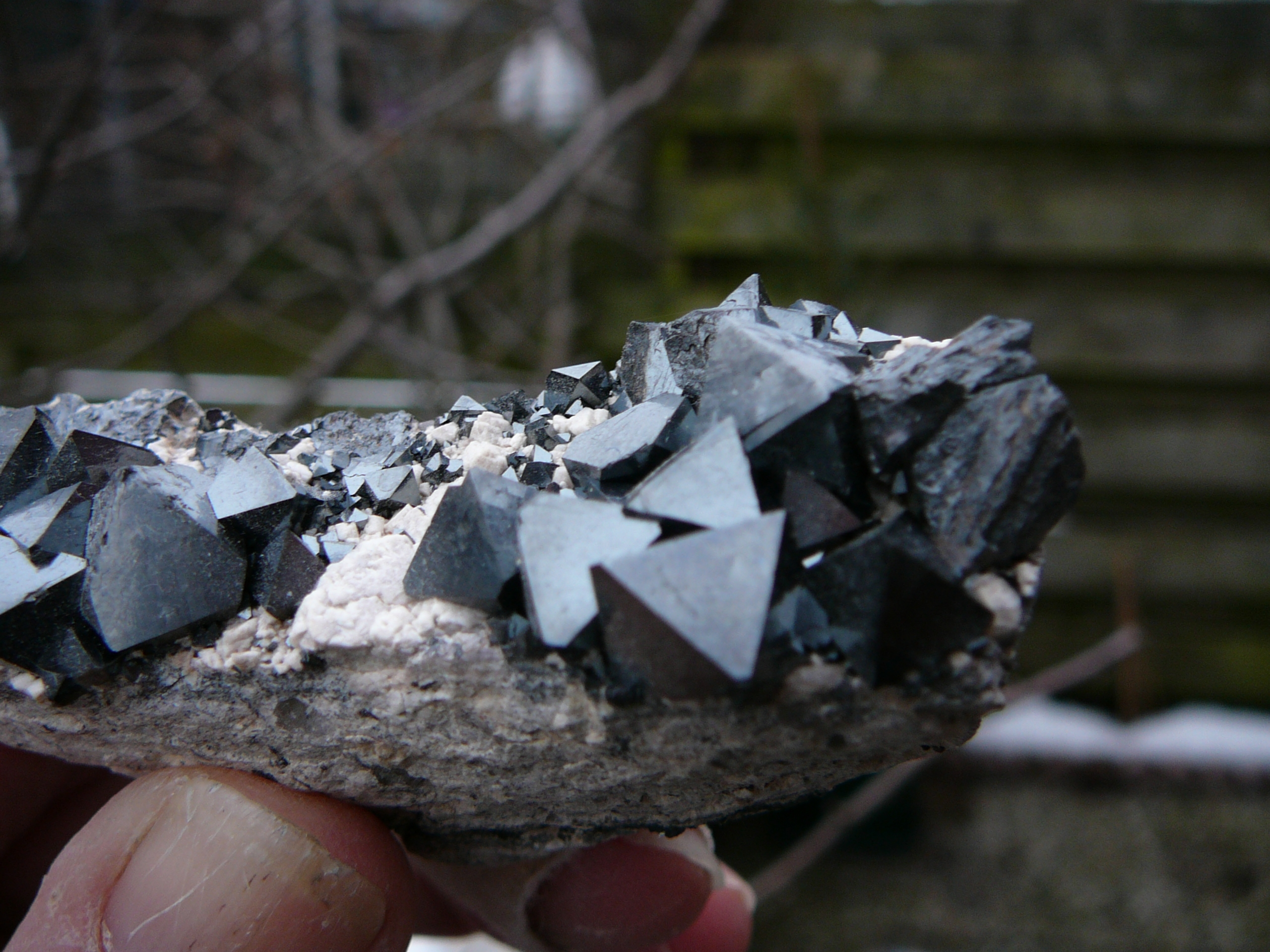 Magnetite on a rhyolite matrix