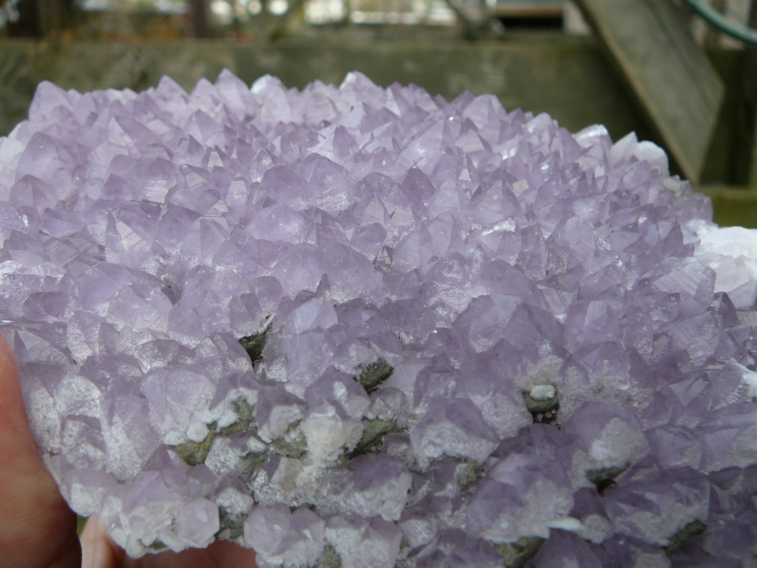 Quartz (var. Amethyst), chalcopyrite