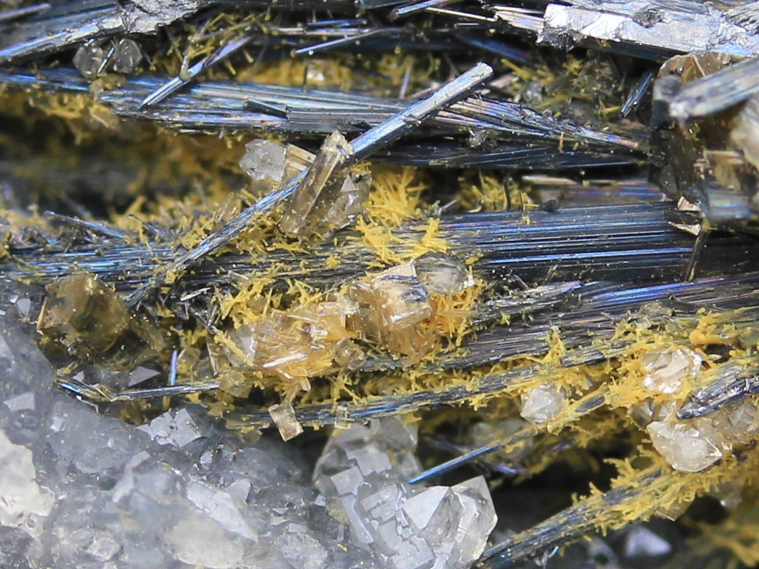 Valentinite, Stibnite and stibiconite